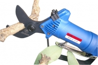 Pruning Shears with Lightweight Polymer Body